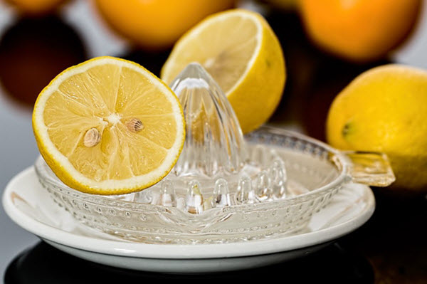 overnight home remedies for acne lemon juice