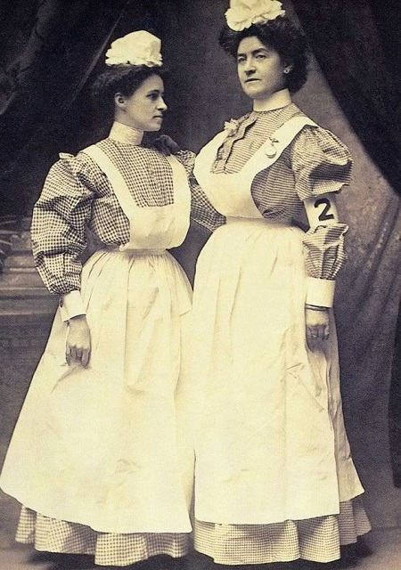 early 1900's nursing uniforms