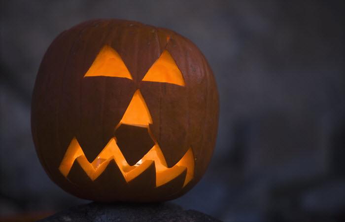 8 Halloween Greetings For Nurses - NurseBuff