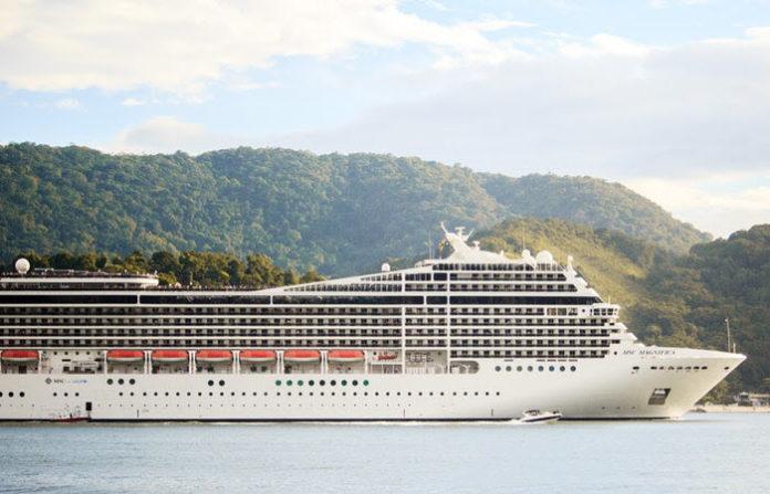how to be a cruise ship nurse