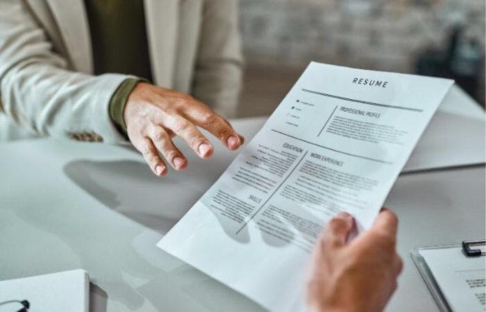 common mistakes nurses make in their resumes